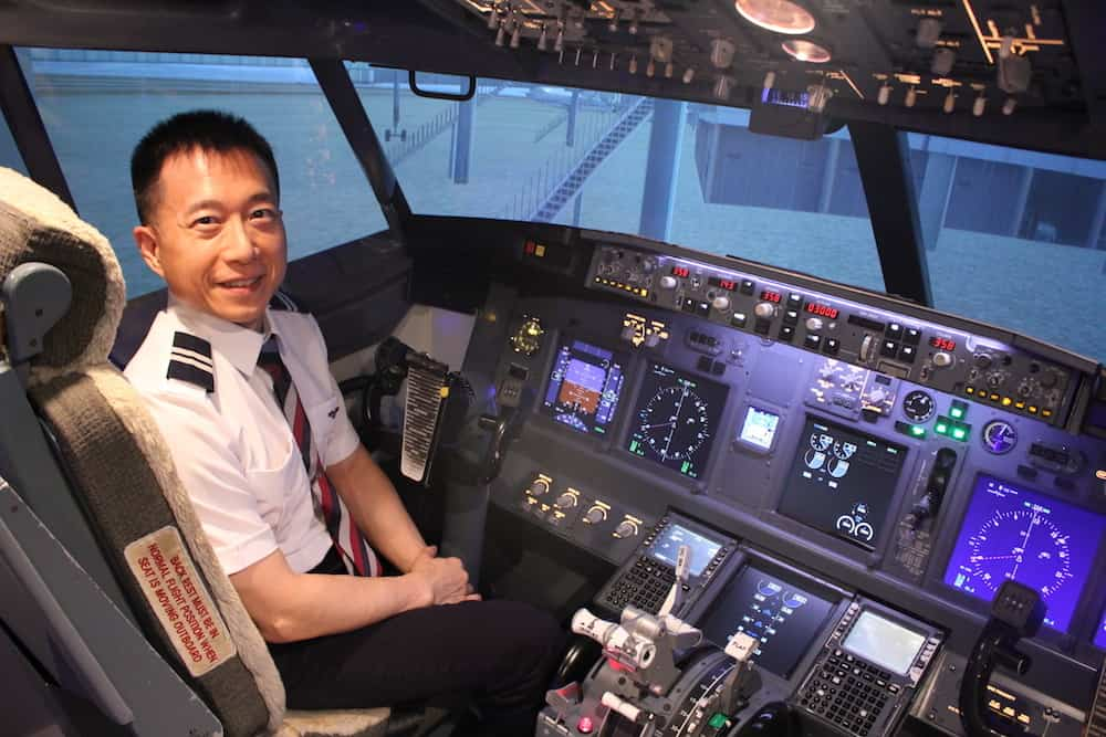 Seamus Phan, training on Boeing B737NG-800 FTD (flightsim). He has trained on a MCC bridging course for the Airbus A320 as well.